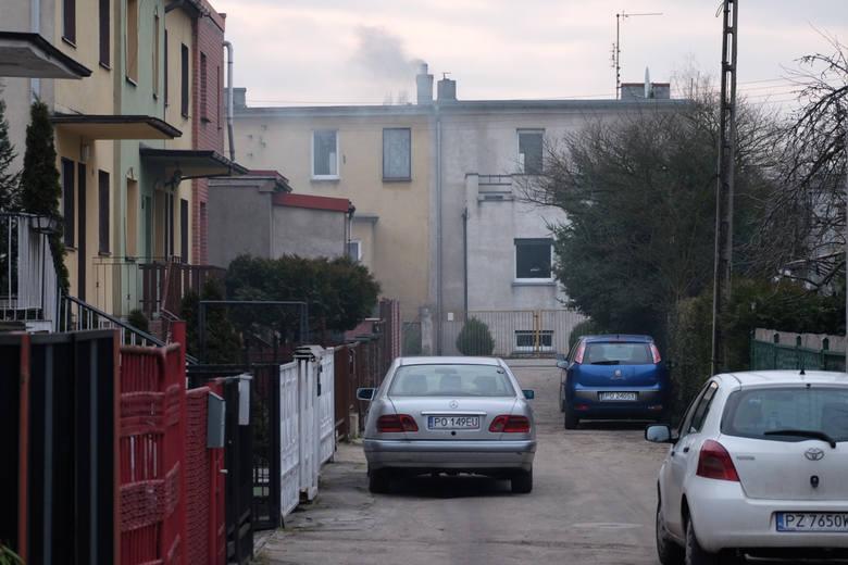 Problem smogu nie kończy się na granicach wielkich miast. Wystarczy wyjechać do jednej z podpoznańskich gmin, by zobaczyć, a przede wszystkim poczuć,