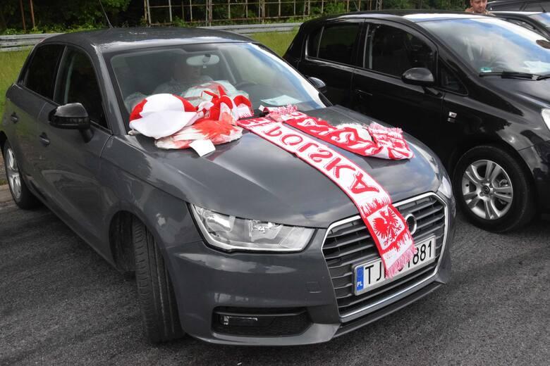 W niedzielę, 13 czerwca na giełdzie w Miedzianej Górze pod Kielcami można było kupić auta od kilku do kilkudziesięciu tysięcy złotych. Były też prawdziwe