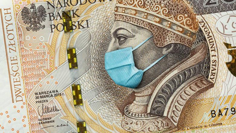 COVID-19 można zarazić się dotykając banknotów? Od tych przedmiotów trzymaj się z daleka