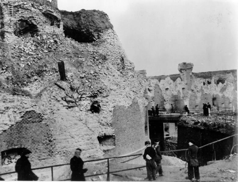 23 lutego 1945 roku w Poznaniu zakończyły się działania wojenne. Ostatnim punktem oporu wojsk niemieckich w stolicy Wielkopolski był Fort Winiary. Zobacz,