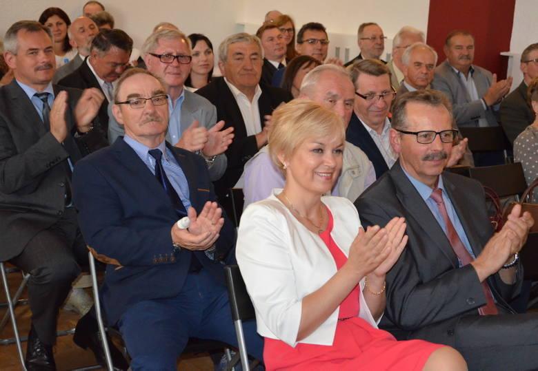 25-lecie samorządu - uroczysta sesja Rady MiejskiePodczas uroczystości nadano tytuły Honorowych Obywateli Gminy Żnin. Otrzymali je: Mieczysław Iciachowski,
