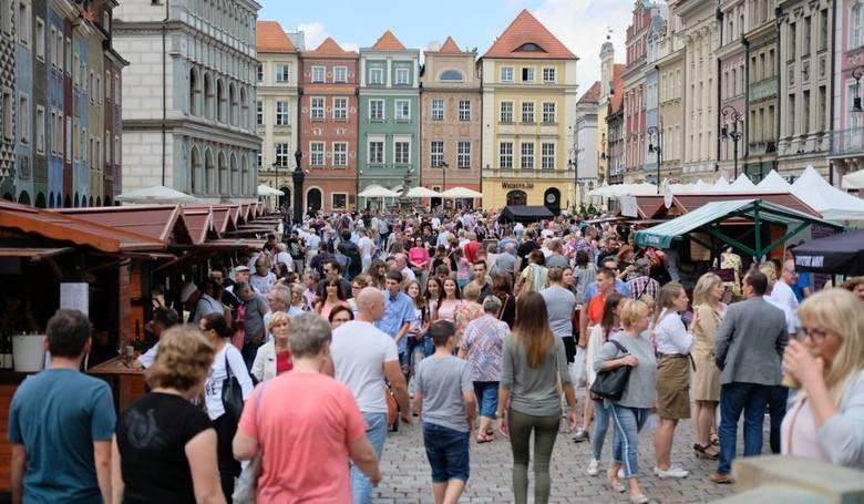 W czwartek, 15 sierpnia, przypadają dwa święta: Święto Wojska Polskiego i Wniebowzięcie Najświętszej Maryi Panny. Z powodu tego drugiego, jest to dzień
