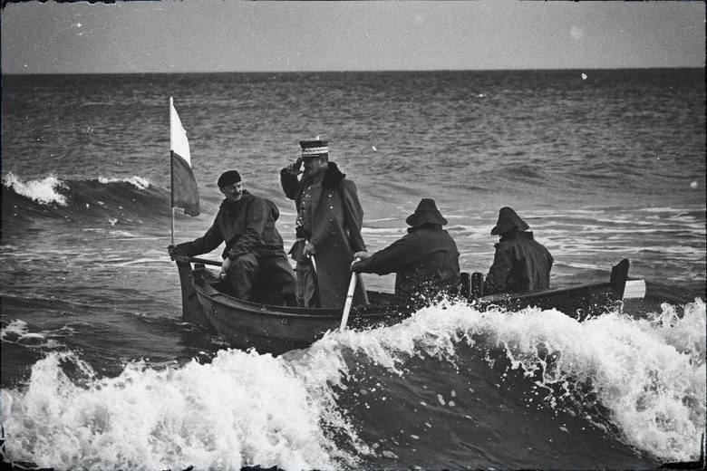 100. rocznica zaślubin Polski z morzem w Pucku. Generał Józef Haller wyruszył z Wielkiej Wsi na rejs po Bałtyku