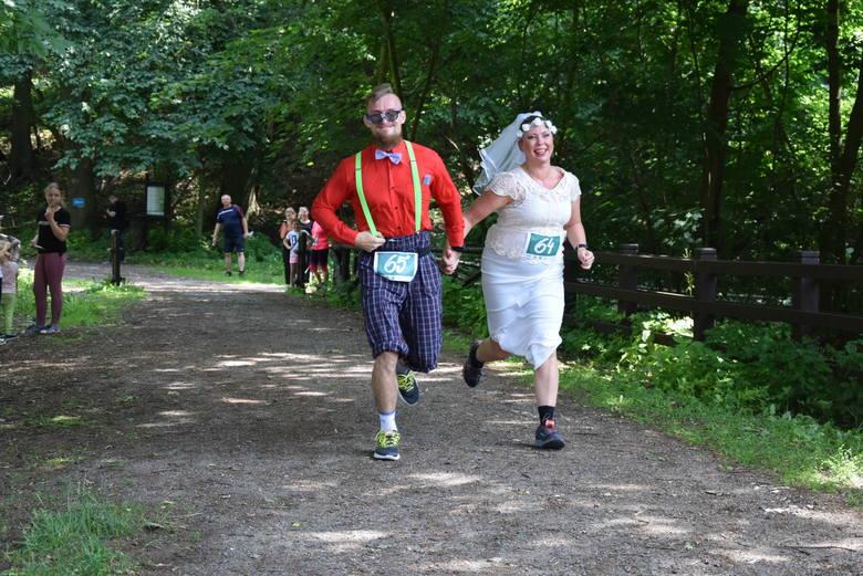 Jedni uczcili rocznicę ślubu w Bogdańcu, inni cudem dobiegli. 5-kilometrowa trasa dała się we znaki