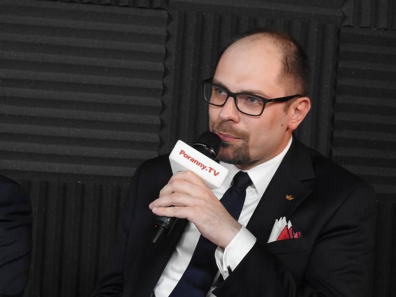Marcin Sawicki podczas debaty
