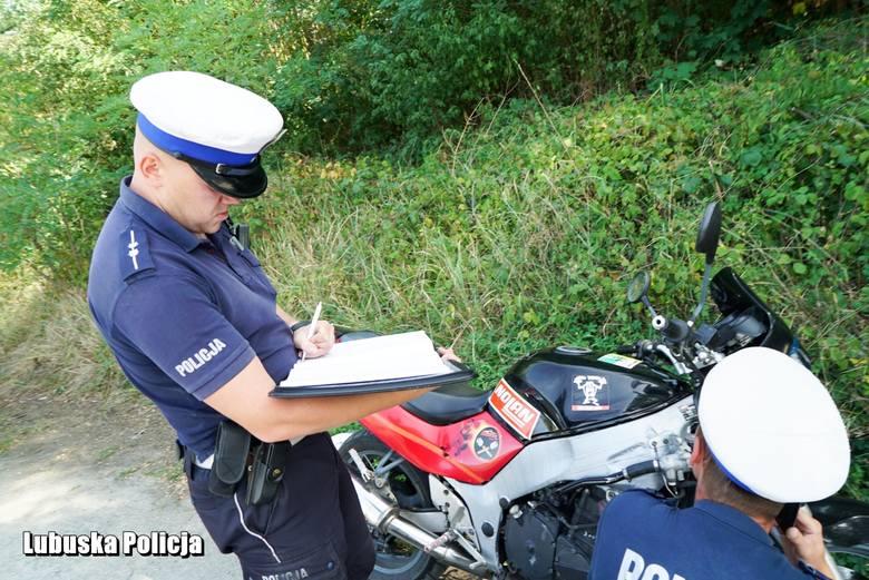 Policjanci w czasie kilku godzin nałożyli 26 mandatów i skierowali wniosek do sądu. Musieli również ścigać uciekającego motocyklistę.