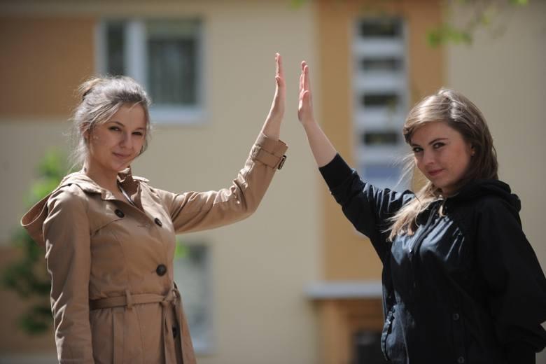 Ola i Agata są koleżankami ze studiów, słuchaczkami II roku dziennikarstwa UO.