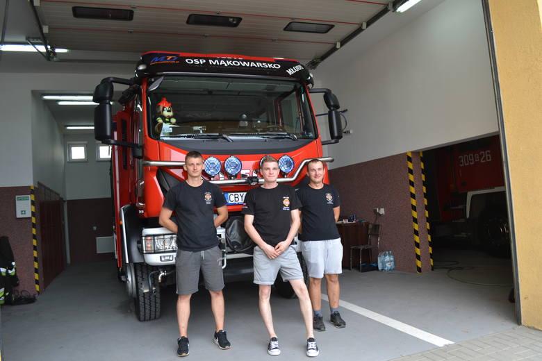 Strażacy OSP w Mąkowarsku  obchodzili 90-lecie istnienia jednostki. W gminie Koronowo działa ich 16, w tym 3 działają w ramach Krajowego Systemu Ratowniczo-Gaśniczego