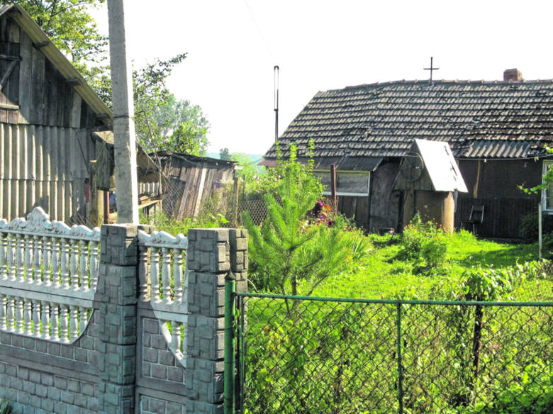 Chałupa z taką samą studnią, o jakiej wspomina pan Jan. Więcej zdjęć z Rychcic znajdziecie na www.marynowski.pl/kresy
