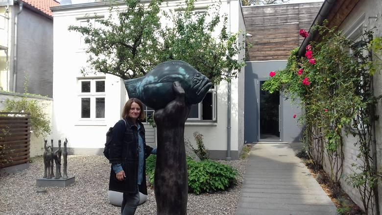 Przy rzeźbie Güntera Grassa