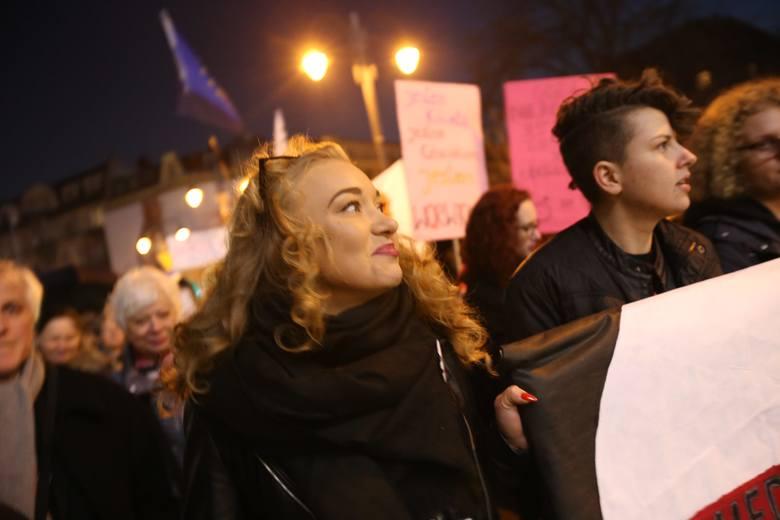 Strajk Kobiet i Manifa Śląska na rynku w Katowicach