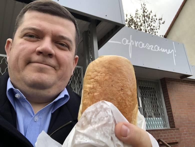 Prezydent Jacek Wójcicki: Bułka z pieczarkami. Niezmienna od lat. Typowy lokalny street food, któremu nie można nigdy odmówić
