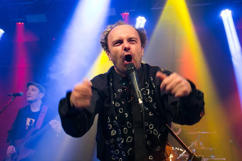 Arek Jakubik, wokalista grupy Dr Misio