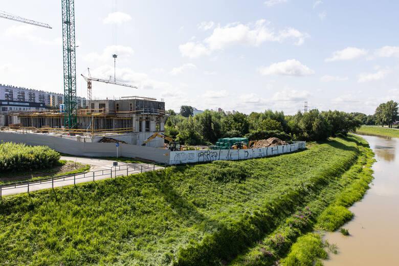 Powstające wieżowce w dolinie Wisłoka, która jest naturalnym korytarzem wentylującym Rzeszów, spowodują natężenie zanieczyszczenia powietrza w centrum