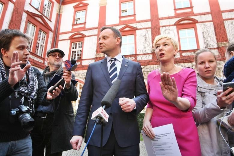 W minionych latach we Wrocławiu 9 kwietnia wiele się działo. Odbyło się tego dnia mnóstwo wydarzeń sportowych, politycznych i kulturalnych. Miasto odwiedził