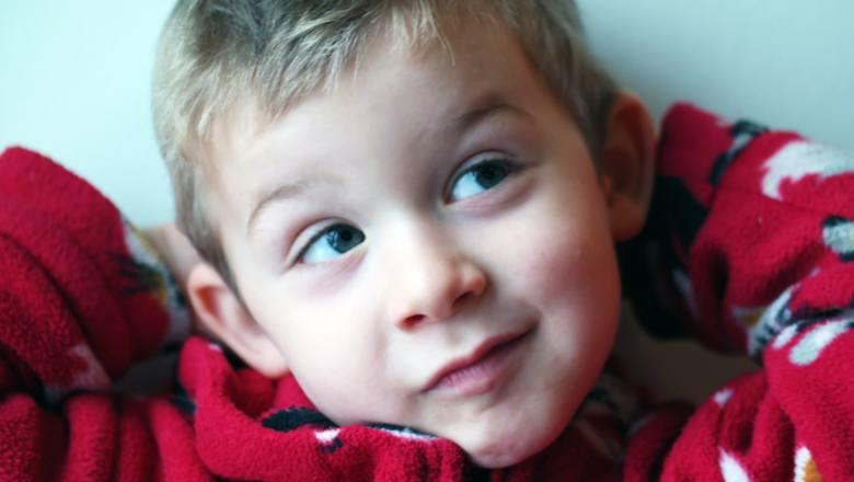 Dlaczego rodzice są tacy dziwni? Świat dorosłych oczami dziecka wygląda zupełnie bezsensownie!