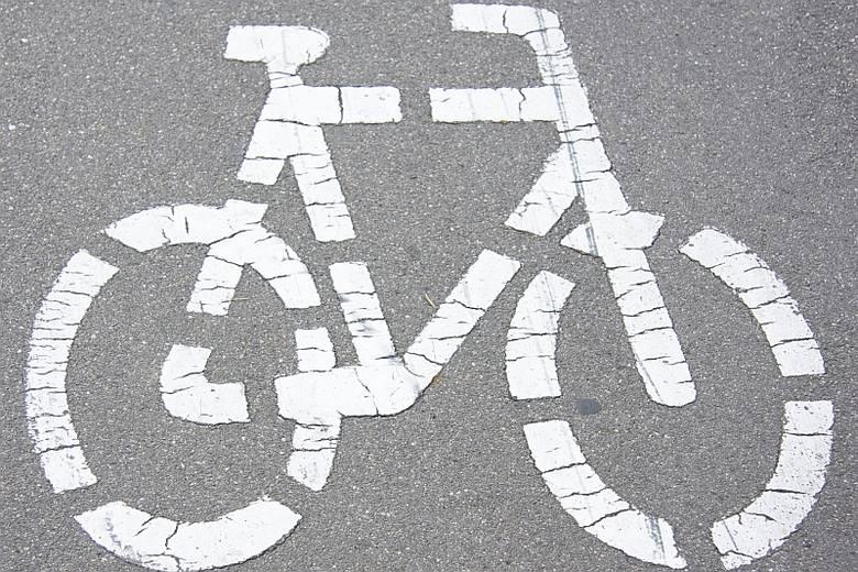 W środę w ratuszu otwarte zostały oferty w przetargu na wykonanie trasy dla rowerzystów przy ul. Niemodlińskiej w Opolu.