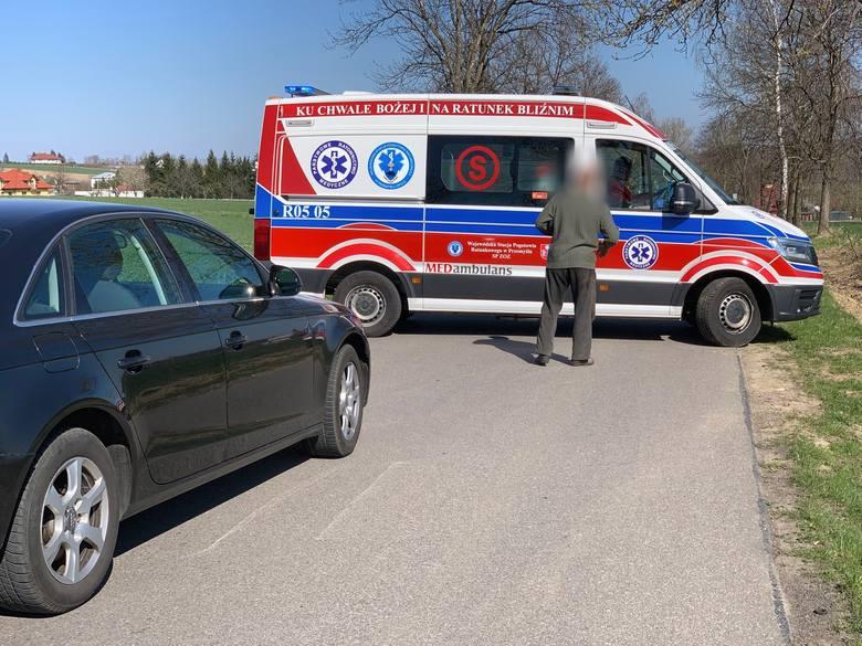 Do wypadku doszło w poniedziałek na prostym odcinku drogi między miejscowościami Grochowce a Witoszyńce pod Przemyślem.- Ze wstępnych ustaleń wynika,