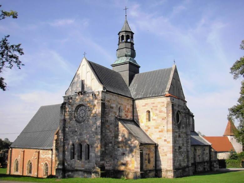 Opactwo w Sulejowie. Tutaj doszło do zjazdu rycerstwa w 1318 r.