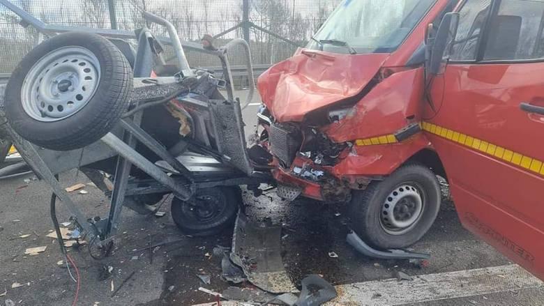 Do wypadku doszło we wtorek, 6 kwietnia ok. godz. 10 na drodze S3. Obrażenie odniosła jedna osoba.Wypadek miał miejsce między węzłami Międzyrzecz Północ