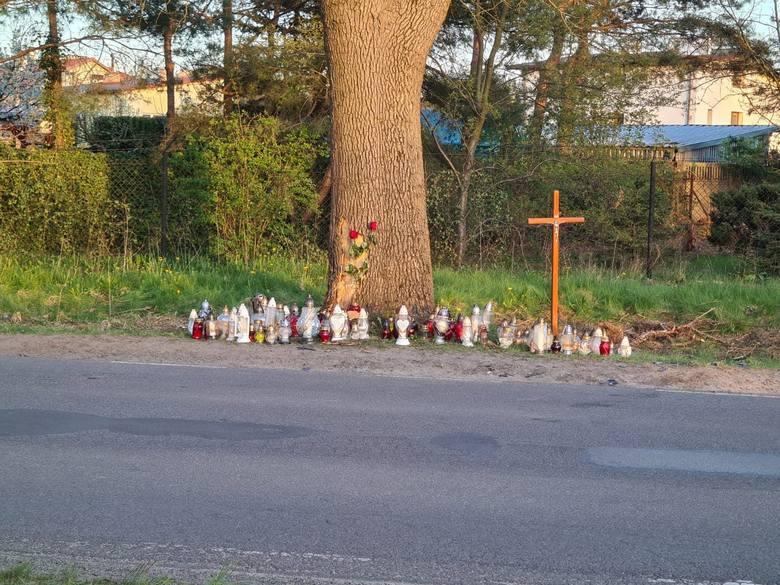 Śmiertelny wypadek motocyklistów w Aleksandrowie Łódzkim. Jednoślady zderzyły się z jeepem. Nie żyją trzy osoby 12.05.21 ZDJĘCIA