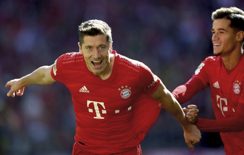 Robert Lewandowski gol na YouTube (WIDEO). Olympiakos - Bayern 2:3 Liga Mistrzów skrót