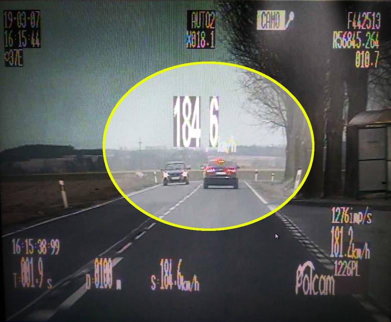 Kierowca jechał o 94 kilometry na godzinę za szybko.