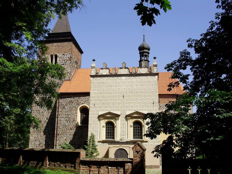 Kościelec Kujawski - gmina Pakość, powiat inowrocławski. Kościół św. Małgorzaty, romański, który powstał na przełomie XII/XIII wieku. W XV w. przebudowana