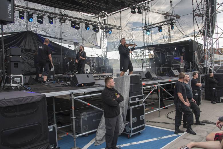 Wroclove Fest w CH Zajezdnia