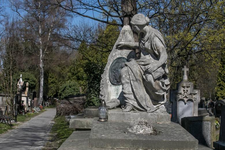 Kraków. Cmentarze komunalne zamknięte na czas Świąt Wielkanocnych