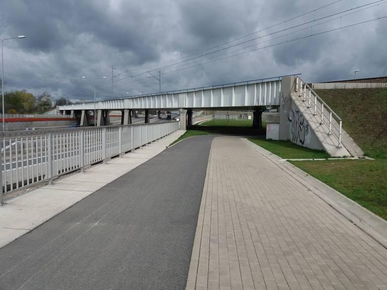 Do zdarzenia doszło późnym wieczorem na moście trasy Górna