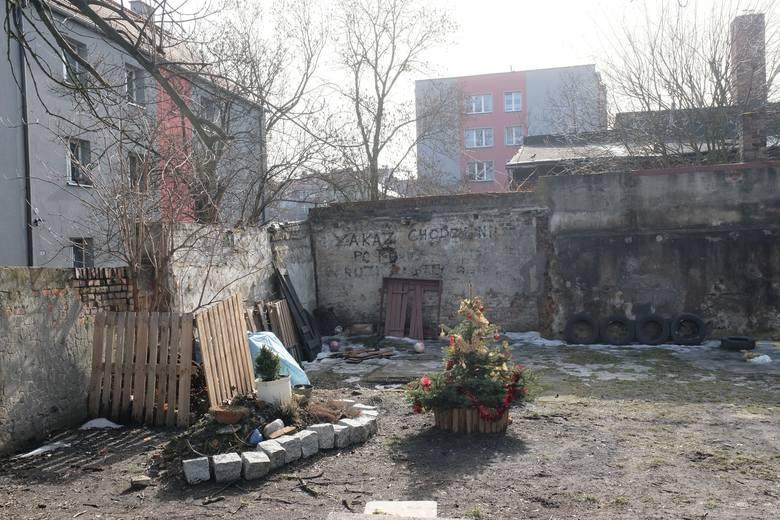 Miasto zapowiada rewitalizację podwórek w Bytomiu. Zobacz kolejne zdjęcia. Przesuwaj zdjęcia w prawo - naciśnij strzałkę lub przycisk NASTĘPNE