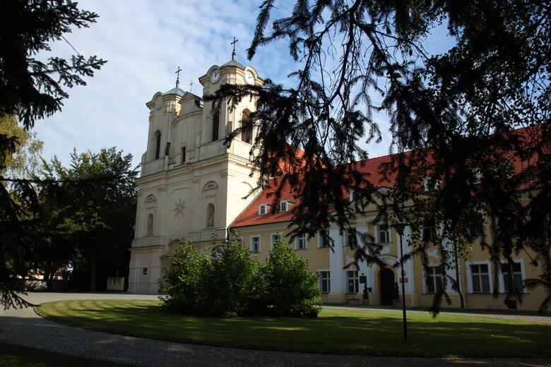 Obra pocysterski klasztor