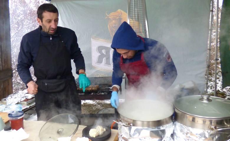 Kulinarny zawrót głowy, czyli... świąteczne smaki na targu w Olejarni Zagłoby w Mikułowicach [ZDJĘCIA]