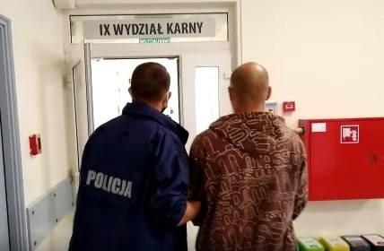 - Sprawa ma charakter rozwojowy. Policjanci nie wykluczają przedstawienia kolejnych zarzutów w tej sprawie - dodaje Kowalska.
