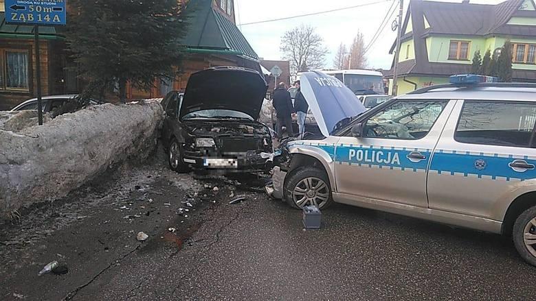 Podhale: Policja rozbiła radiowóz podczas pościgu w Zębie. Wcześniej pirat drogowy potrącił 30 latka