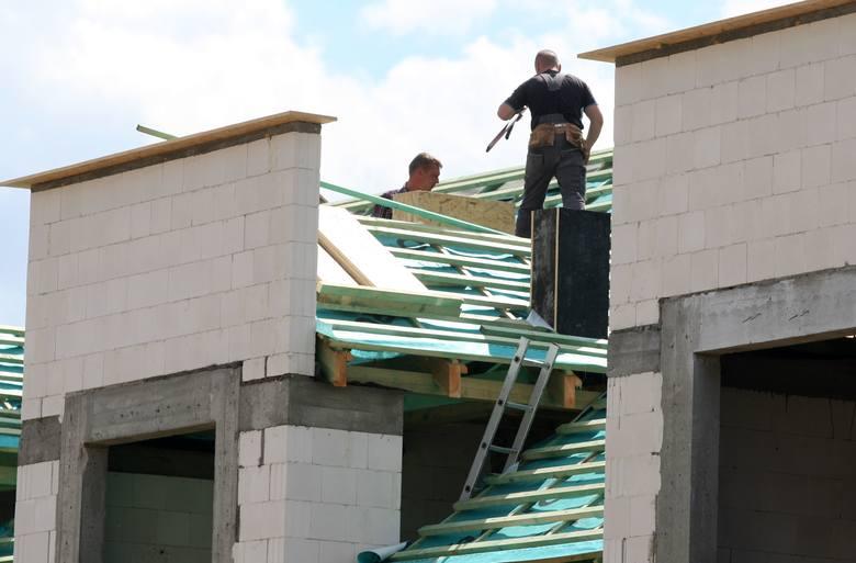 Od dziś nowe dokumenty przy pracach budowlanych. Planujesz budowę, remont domu - sprawdź jakie