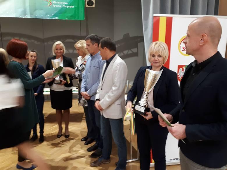 W sali kolumnej Urzędu Marszałkowskiego Szkolny Związek Sportowy ZIEMIA LUBUSKA podsumował sezon 2017/18 Lubuskiej Olimpiady Młodzieży ogłaszając zwycięzców