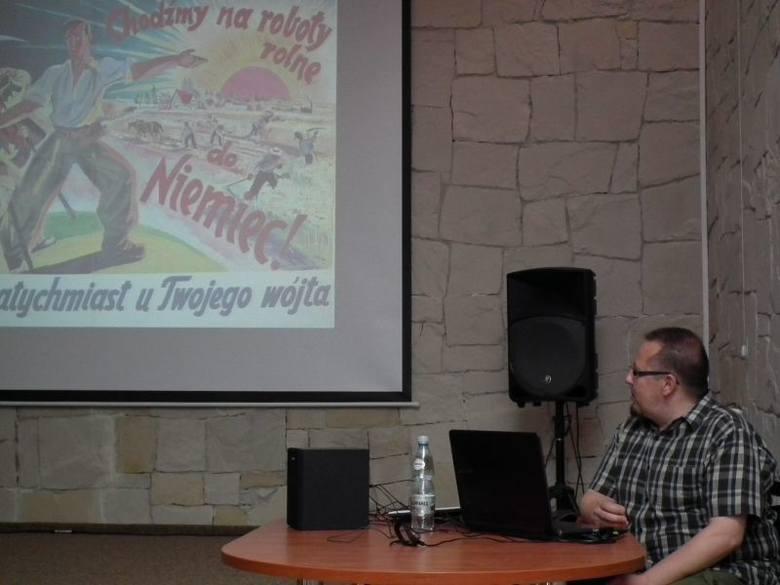 Tym razem Sebastian Piątkowski opowiadał o robotach przymusowych w okresie II wojny światowej.