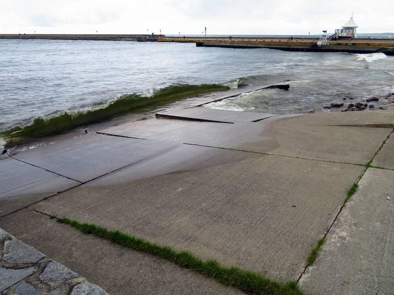 Urząd Morski w Słupsku rozpoczął remont zjazdu do wody w awanporcie. Miejsce to wykorzystują żeglarze, motorowodniacy, wojsko a nawet kajakarze do slipowania