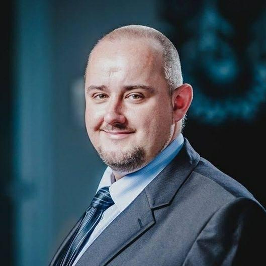 Dr nauk medycznych Maciej Jędrzejko radzi, jak przygotować swój organizm do walki z koronawirusem i wywoływaną przez niego chorobą.Zobacz kolejne zdjęcia.