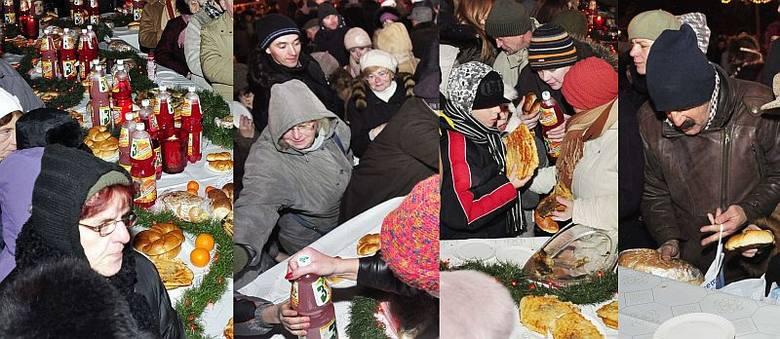 Wigilia w Radomiu: z wielkiego stołu błyskawicznie zniknęły tony jedzenia (zdjęcia)