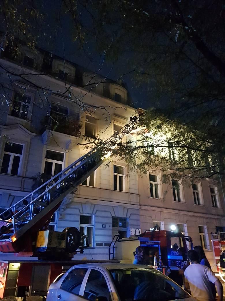Pożar mieszkania w kamienicy przy Placu na Groblach