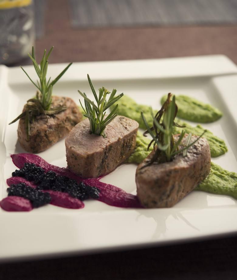 Pimiento Argentino Grill Kraków Rynek Główny 30Telefon: 12 430 62 85Przykładowe menu:PIMIENTO PARRILLADA 1200gTrzy rodzaje wołowiny argentyńskiej: