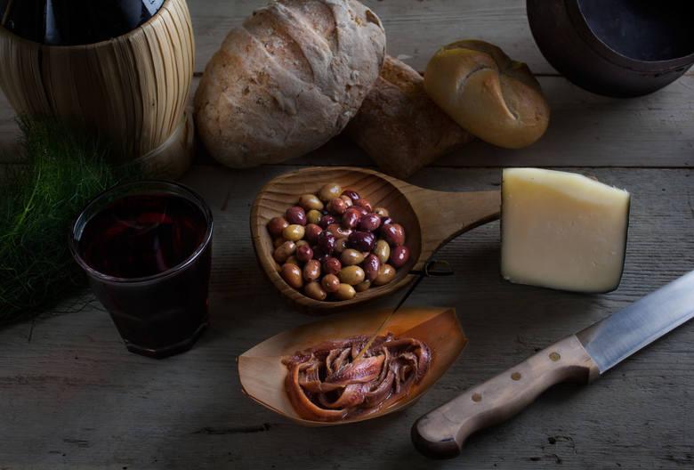 Slow food to z założenia produkty o wysokiej wartości odżywczej, różnorodne i wysokiej jakości. Konsumpcja tych produktów ma sprzyjać zdrowiu, z powodu