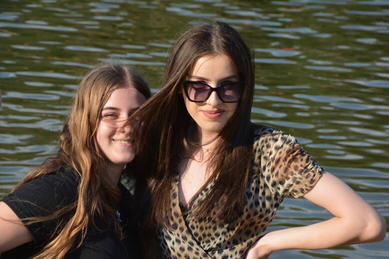 W sobotę, 19 czerwca, nad zalewem Andrzejówka w gminie Chmielnik nie brakowało pięknych dziewcząt. Mnóstwo dobrej zabawy miały także dzieci. Dzień upłynął