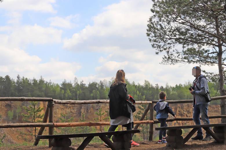 Park Gródek w Jaworznie podczas weekendu odwiedziły tłumy. Pogoda dopisałaZobacz kolejne zdjęcia. Przesuwaj zdjęcia w prawo - naciśnij strzałkę lub przycisk