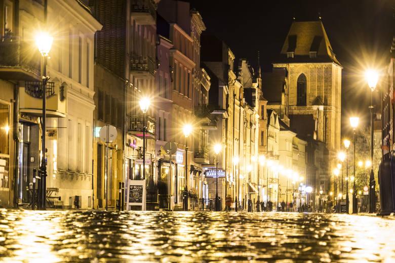 """Toruń jest piękny nie tylko w dzień, ale również po zmroku. Zobacz miasto w obiektywie fotoreportera """"Nowości"""" Grzegorza Olkowskiego.Zmiany"""