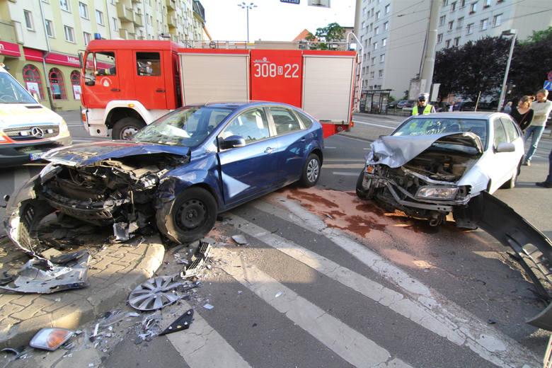 Są we Wrocławiu skrzyżowania, na których często dochodzi do niebezpiecznych sytuacji, kolizji a nawet poważnych w skutkach wypadków. Problem z bezpiecznym