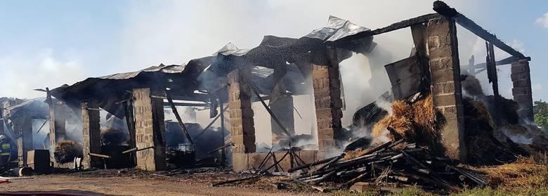 We wtorek strażacy zostali wezwani do pożaru stodoły w podsuwalskim Brodzie Nowym.
